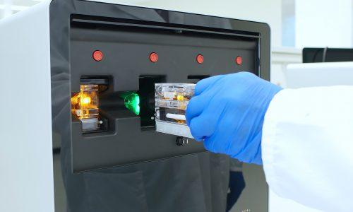 MarCom_Photo_201911_Cassette Loading Processor_Close up